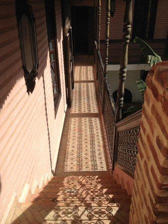 Riad Ilayka : intimate courtyard