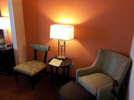 Wingate By Wyndham Tulsa: Chair