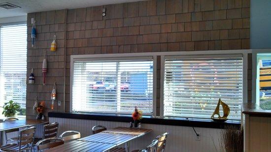 Shelly's Cafe: windows