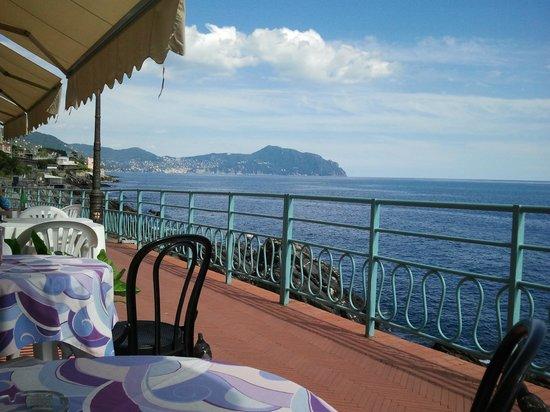 Passeggiata Anita Garibaldi a Nervi: Кафе на тропе