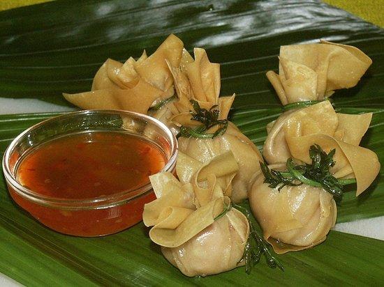 Nuh's Thai Schnellrestaurant: Wan Tan, gefüllte Teigtaschen