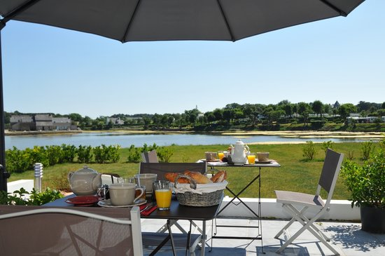 Ty er velin : petit déjeuner en terrasse