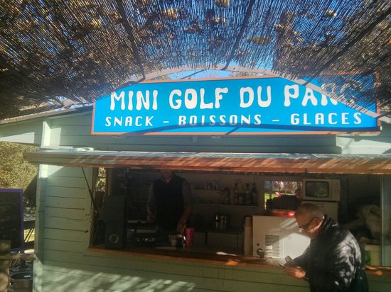 Parc Paul Mistral : Le mini golf du parc