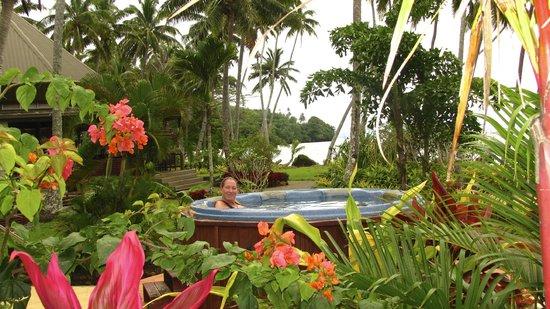 Lalati Resort & Spa: hot tubb