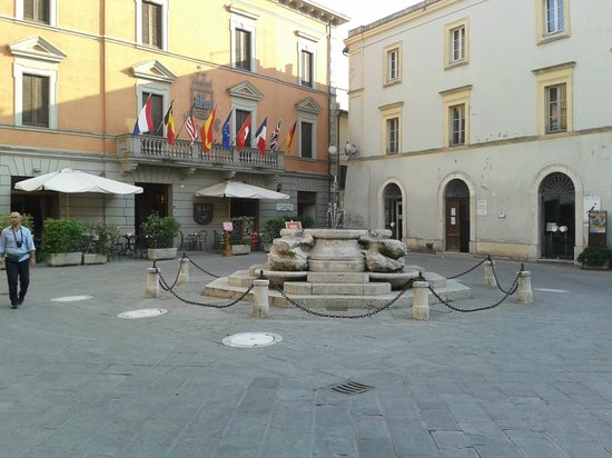 Hotel  la Torre : La piazzetta