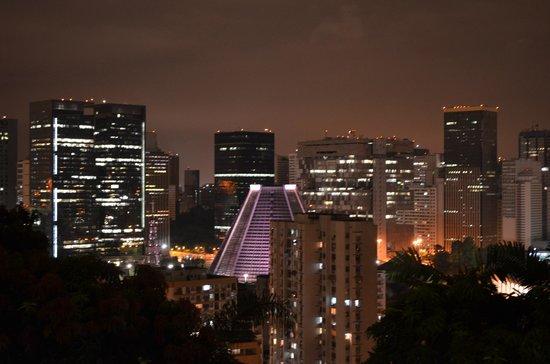 Bossa in Rio Hostel: Vista noturna