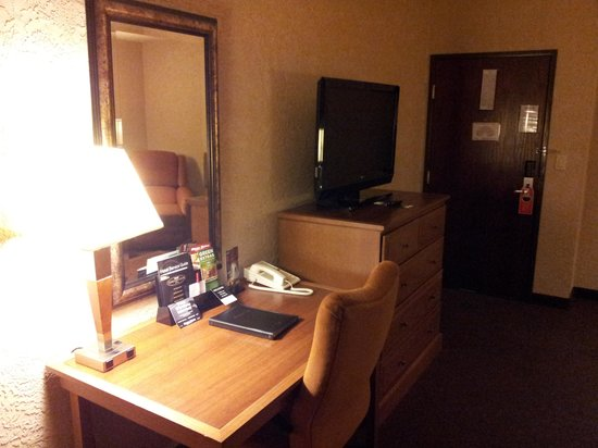 Drury Inn & Suites Flagstaff: Desk