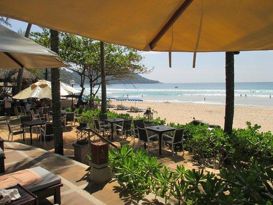 Katathani Phuket Beach Resort: Katathani pool area and beach