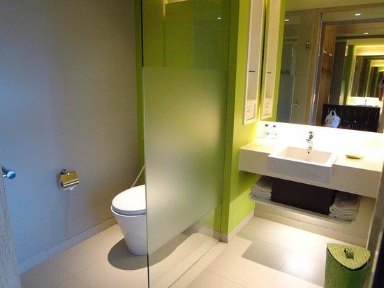 Bintang Kuta Hotel: Bathroom