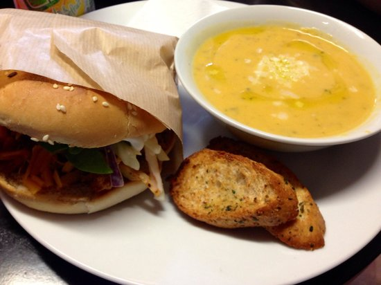 Dublin Dave's Deli: pulled chicken bap and sweet potato soup