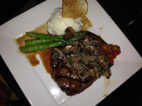 The Bristol Hotel - A Greystone Hotel: Steak