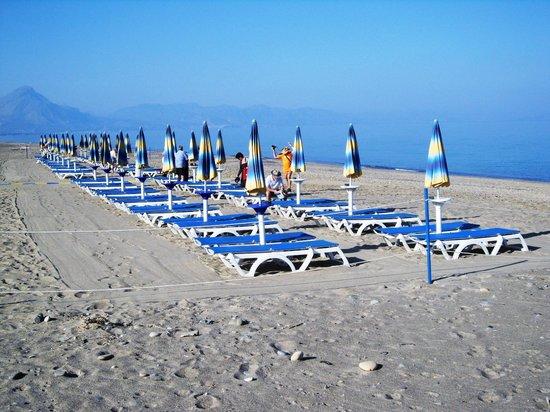 Hotel Club Costa Verde : remote private beach