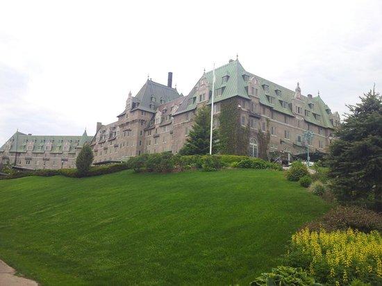 Fairmont Le Manoir Richelieu : Vue de l hôtel
