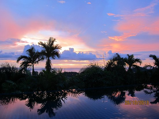 The Pavilions Phuket : Sun set view from pool