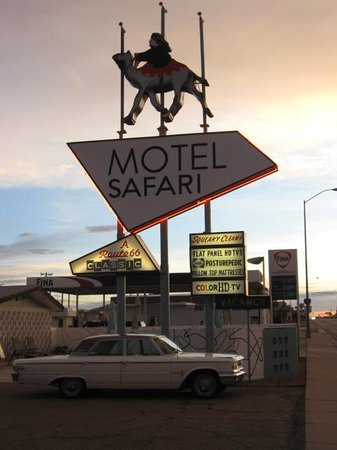 Motel Safari: The Sign