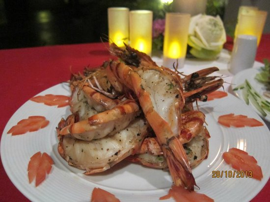 The Pavilions Phuket : BBQ prawn