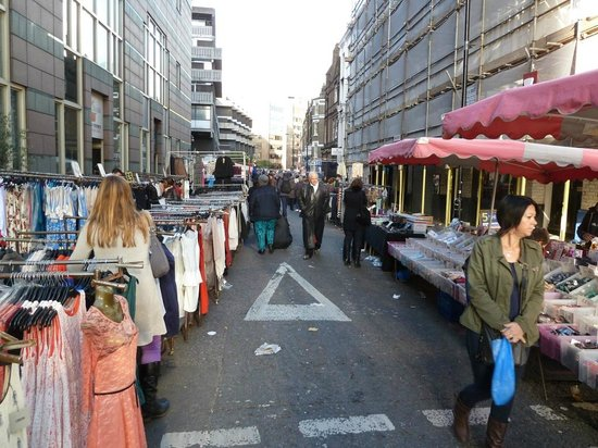 Petticoat Lane: Clothes as far as the eye can reach