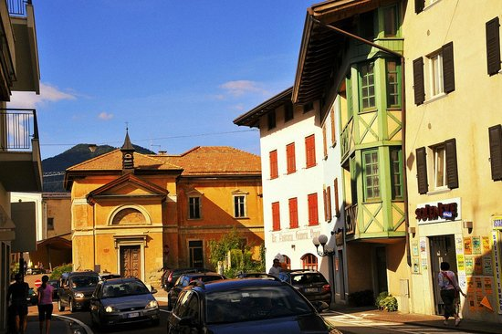 Dos Di Pez, Terrazza Panoramica: Im Ort