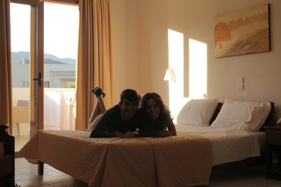 Aphrodite Beach Hotel: our room