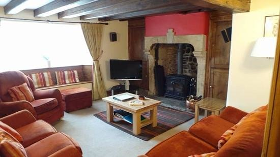 Eastgate Cottages : farmhouse lounge
