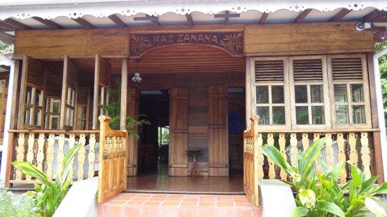 Kaz Zanana: The entrance area