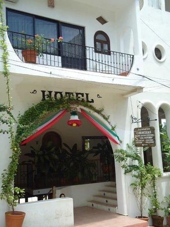 Hotel Cordelias: Entrada al hotel