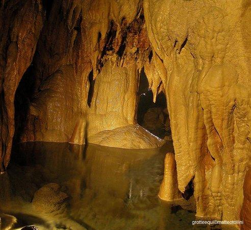 Grotte di Equi Terme, interno laghetti pensili