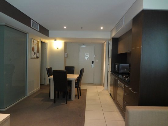 Oaks Embassy: Dining/kitchen/washing room, living room in apartement