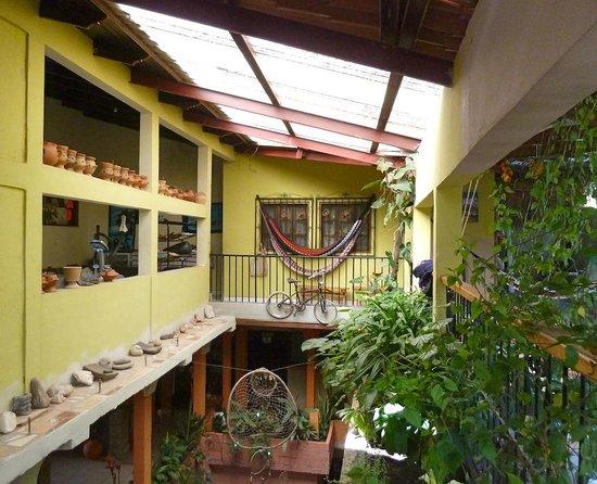 Hotel y Hostal Yaxkin Copan: Common areas