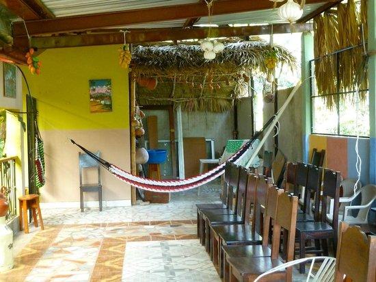 Hotel y Hostal Yaxkin Copan: Terrace