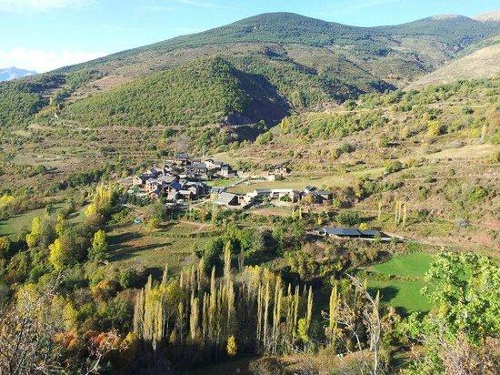 Cal Bosch Turisme Rural: The village
