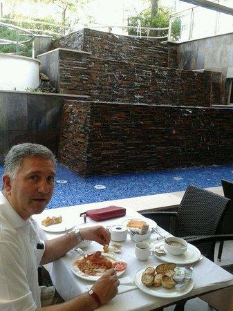 Mediterranean Bay Hotel : Unas vistas geniales