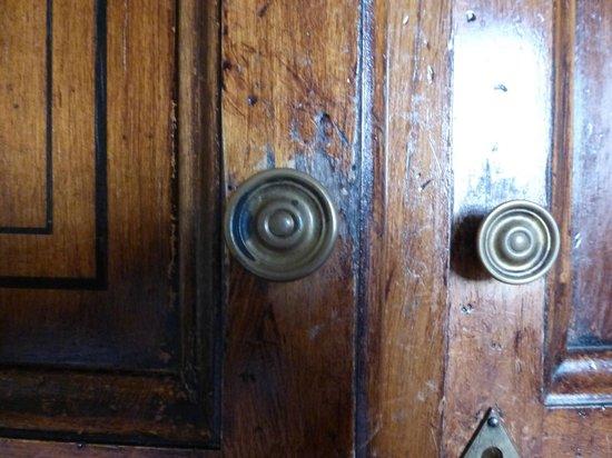 B4 Astoria Firenze: Dilapidated wardrobe
