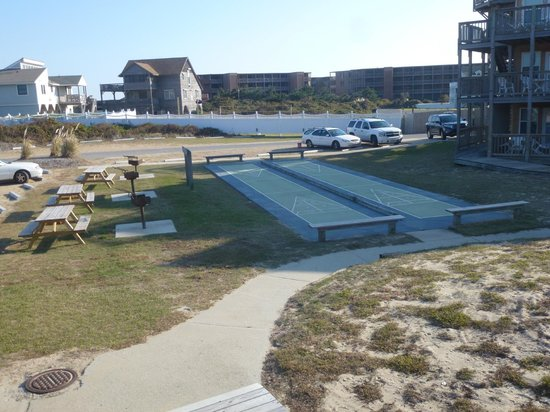 Barrier Island Station - Duck: Recreation area shuffle board courts, grills, picnic tables