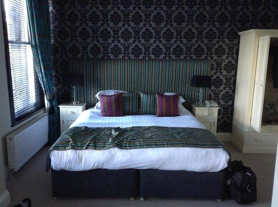 The Grafton: Big 'ol bed