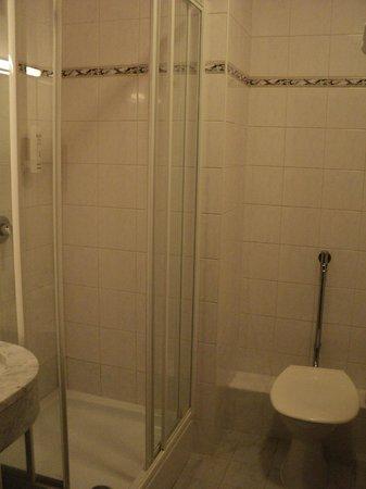 Hotel Belvedere: Ванная комната
