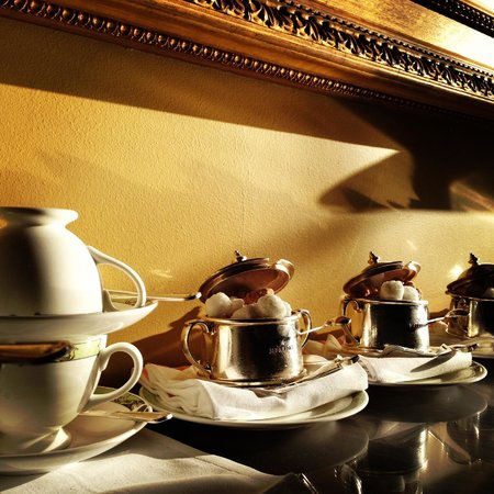 The Merrion Hotel: Merrion Hotel Morning Tea/Coffee Service