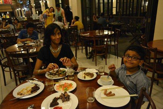 Laguna Redang Island Resort: DINING AREA