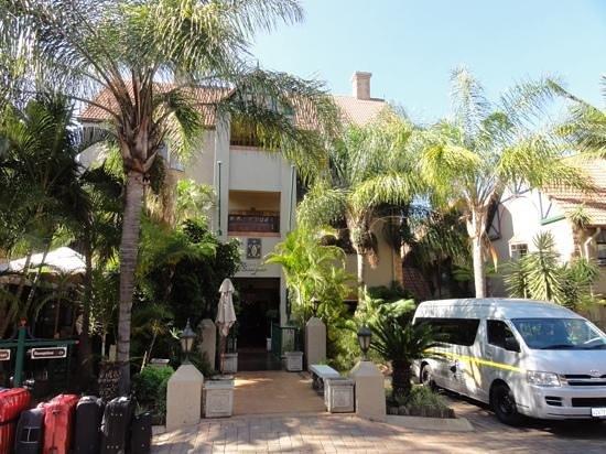 Court Classique Suite Hotel: Entree Court Classiv Pretoria