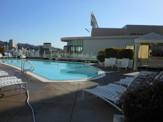 the pool picture of loews hollywood hotel los angeles. Black Bedroom Furniture Sets. Home Design Ideas