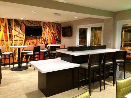 Hotel Indigo Anaheim: Internet Cafe