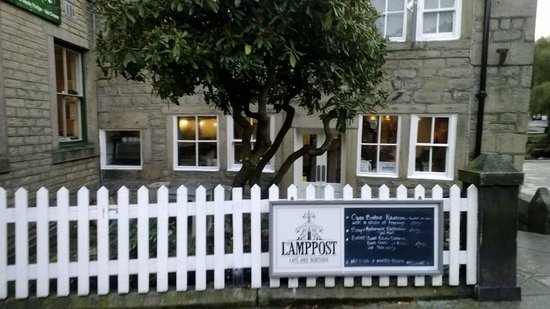 The Lamppost cafe and boutique