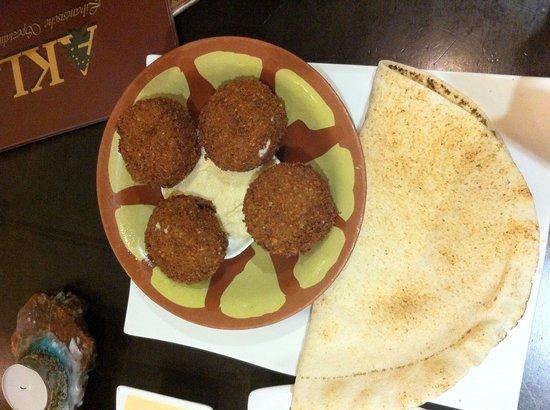 Akl Libanesisches Restaurant: Falafel and Hoummus