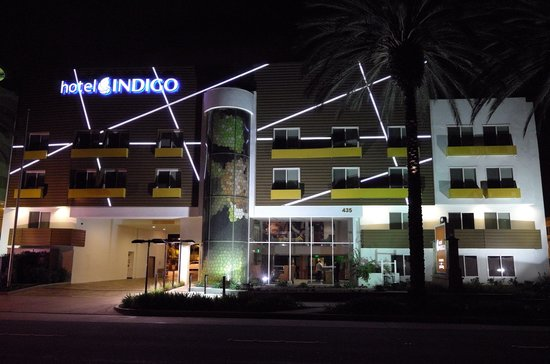 Hotel Indigo Anaheim : Hotel Night View