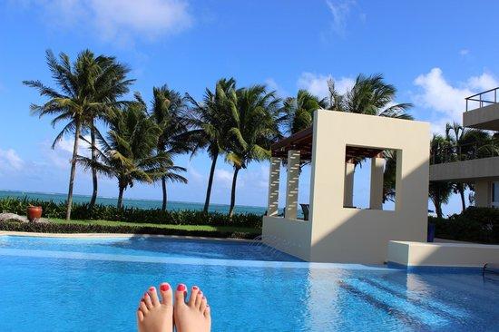 The Phoenix Resort : pool view