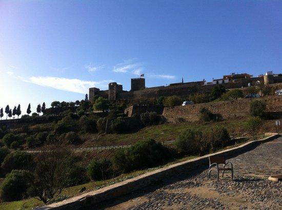 Horta da Moura - Hotel Rural: Monsaraz Walls view from near the hotel