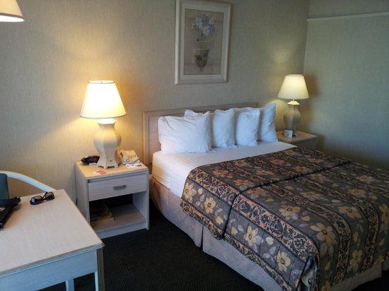 Vagabond Inn Ventura : Bed