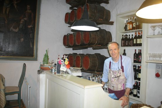 Cantinetta Sassolini: the manager and owner!