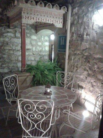 Santa Maria de Ubeda: Cuando hace buen tiempo, es ideal sentarse ahí a leer o a charlar