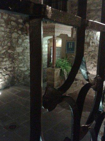 Santa Maria de Ubeda: Entrada del hostal